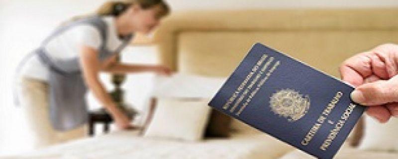 Falta de Registro em Carteira de Doméstica poderá ter multa
